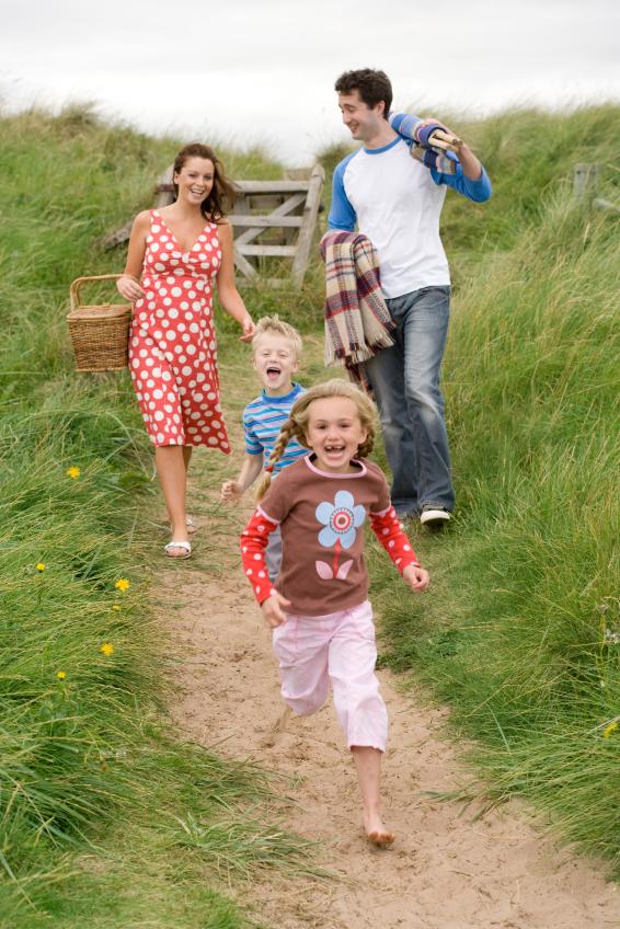 15 Ideas For A Fun Family Picnic